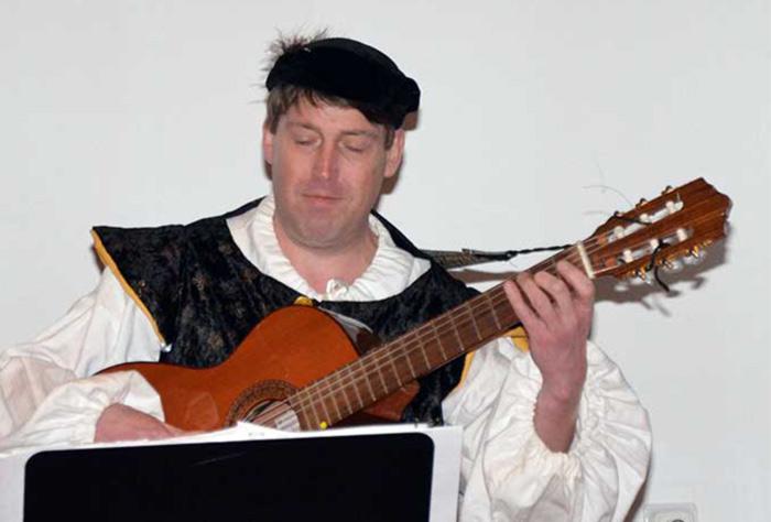 Andreas-Meyer-mit Gitarre